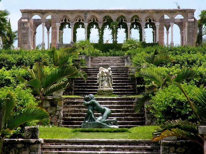 sad_versailles-gardens